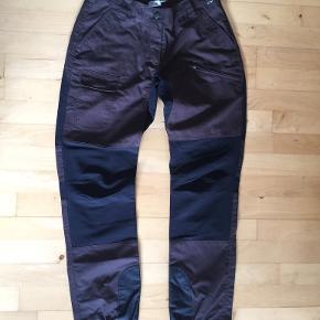 CRW bukser