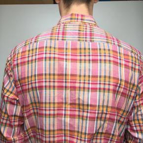 Fin basic tommy Hilfiger skjorte  Fejler intet
