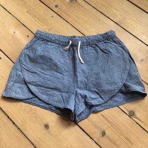 Shorts med bindebånd, brugt få gange.