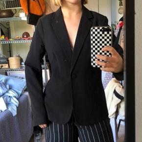 Gina Tricot blazer