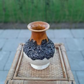 Lækker West Germany Vase, H15cm, kr. 110,-