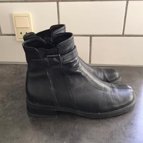 Super lækket kort støvle der er brugt meget sparsomt