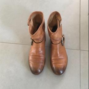 """Fede støvler - Ankelstøvler bikerstøvler - fra Alberto Fermani I den aller bedste ende af god men brugt.  Født med """"used look"""""""