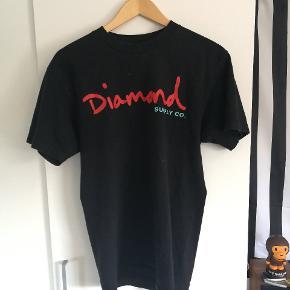 Diamond tee i str M Byd  Se min shop for andet tøj så som nike Adidas Thrasher Levis champion mm