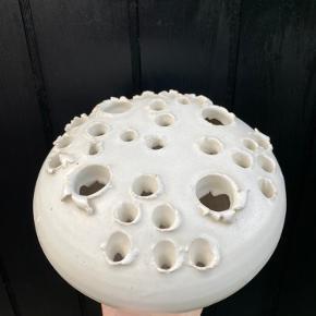 """Würtz lysestage/vase, den store til 4 lys. Fejler intet. Standen er sat til """"god, men brugt"""", da det er en ældre sag."""