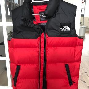 The North Face vest - Men's st. small. Nypris 1800 MP 600 ikke inkl - køb via buy now tak