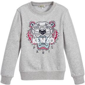 SØGER Kenzo trøjer/sweatshirts. De må godt have været brugt, men det skal helst være en god pris. De skal kunne passe en s-m