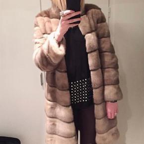 5deb1216 Brand: Grenaa Varetype: Mink minkpels jakke frakke pels pelsjakke fur ægte  minkjakke Farve: