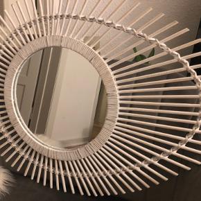Bambus spejl sælges 🌸 Lige købt.  Ny pris 399kr Min pris 300kr