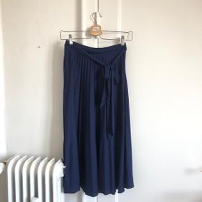 Fin nederdel fra ASOS i str small