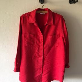 Lækker Retro skjorte i ruskind agtigt stof. Har ingen størrelse men regner med en XL  #30dayssellout
