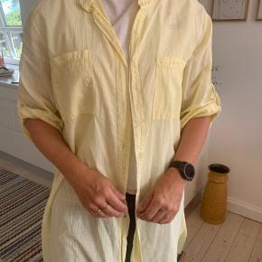 Ny skjorte kjole fra mærket Moda  Køber betaler selv fragt🌸