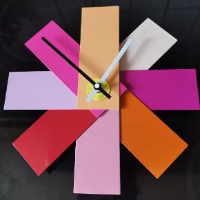 Flot ur fra Normann Copenhagen sælges. Ses og købes i Kolding :)