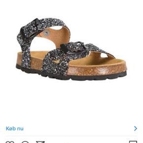 Nye Sandaler og i forretningerne nu.Stadig i æske.  Købspris 500