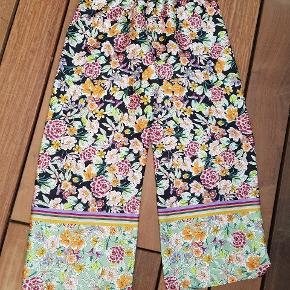 Fedeste bukser - sælges kun, fordi jeg ikke kan passe dem 🤩