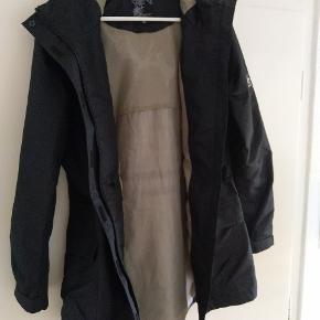 Regnfrakke/Overtræk frakke fra Just Brugt få gange