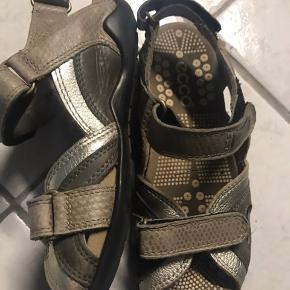Fine sandaler. Gmb