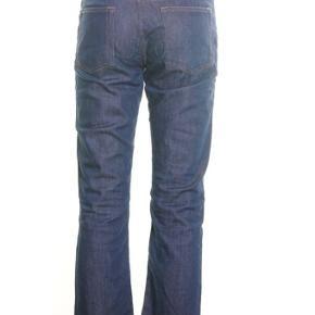 Acne jeans model Hep premium i str. 28/32. To første billeder er lånt. Bukserne står i en rigtig god condition.