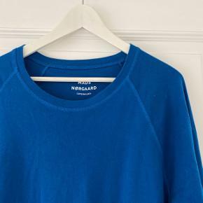 Mads Nørgaard tynd sweatshirt  Str. XXL (man kan passes af de fleste)  Kan også bruges oversize til piger