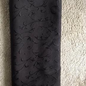Sengetæppe med jaquard mønster.  Passer til 180x220 senge (eller mindre)