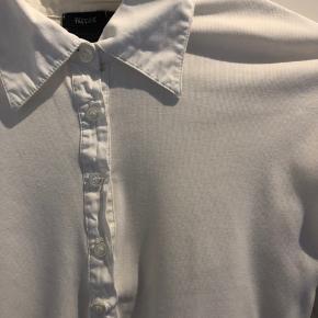 Hvid Filippa K skjorte i god stand, fitter xs-s💖