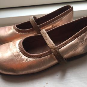Sandaler, bronzefarvet,str. 24, køber betaler forsendelse.