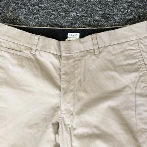 Bukser aldrig brugt str 50 svare til L eller Jeans størrelse 34  ben længde 80 cm Og det er Herre bukser