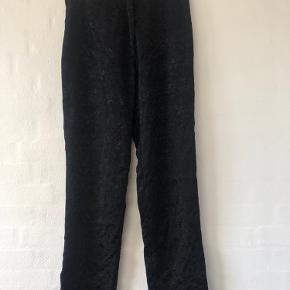 Mossani bukser med mønster.  Højtaljede bukser