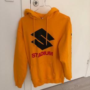 Justin Bieber stadium tour hoodie. Brugt 2-3 gange
