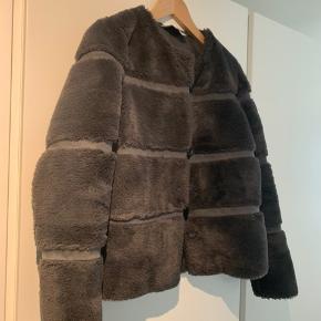 Neo noir jakke Meget fin stand