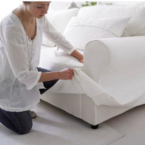 3 Pers. Sofa fra EKTORP  Produktmålene: Bredde: 218 cm  Dybde: 88 cm Højde: 88 cm Siddedybde: 49 cm siddehøjde: 45 cm  Sofaen har været i brug og har derfor brugsspor, men standen er pæn!   Betrækket er aftageligt, og kan vaskes i vaskemaskine eller der kan købes et nyt betræk.   BYD