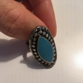 Smukkeste ring i turkis. Kan justeres.