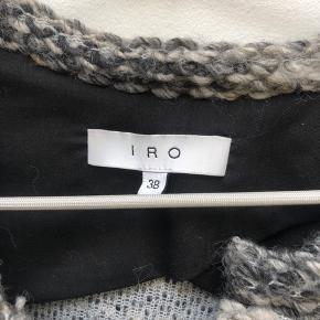 Rigtig fin Iro jakke perfekt til efterårs garderoben. Købt i Iro shoppen i Paris sidste efterår og kun brugt få gange