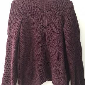 Vero Moda Sweater, Næsten som ny. Aarhus - Vero Moda Sweater, Aarhus. Næsten som ny, Brugt og vasket et par gange men uden mærker eller skader