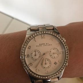 Rigtig fint sølv ur, har næsten ikke været brugt. Sælges for 500