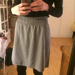helt ny nederdel fra monki :) np. 200kr