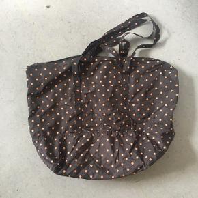 Ganni taske, købt i Ganni i Aarhus. Nypris 600 kr. brugt 2-3 gange.