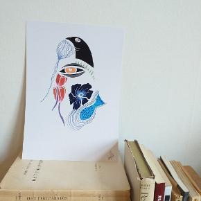 Læs venligst inden du skriver 🦊😎  Print af min originale blæk tegning og grafisk design.   Jeg er kunstner på Østerbro i København  og jeg skaber tegninger og unikke prints som ikke er mainstream, og i meget små oplag af gangen.   Til dig som elsker at skille dig lidt ud og som elsker og værdsætter at have specielle fund og elementer i dit hjem.  Om kunsttrykket: Størrelse A4  240 gram matte papir (tykt og lækkert)  Denne er signeret i højre hjørne.😎  Prisen er fast så venligst ikke spørge om mp eller lign.  *Ramme følger ikke med.*   Tages ikke retur efter salget  Bytter / sender ikke   Hvis du har spørgsmål skriver du bare! ❤😎🦊