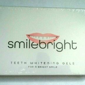 3 stk. tandblegnings gel i uåbnet pakke.  (Obs! Du skal selv have en tandskinne til brug.)  Har 2 pakker på lager, hvis du skulle have interesse i flere?