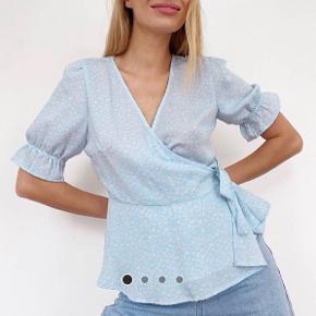 Wrap bluse fra vero moda i str 36, aldrig brugt byd