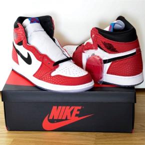 Air Jordan 1 'Spider-Man Origin Stories'  Størrelse 10.5 US / 44.5 EU  Deadstock