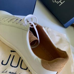 Så lækre sko fra Juch Paris. Model taranta. Str 41, men passer str 40. Jeg måler gerne indvendig længde.  Jeg handler kun via ts og køber betaler Porto. Jeg bytter ikke 😊