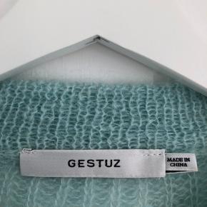 Sælger denne smukke sweater fra Gestuz. Brugt en gang :)