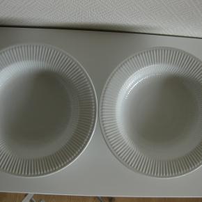 Riflet tallerken  også kaldet pasta tallerken  diameter 30-31 cm prisen er pr.stk