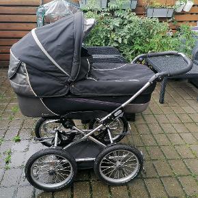 Emmaljunga barnevogn med lift og madrasser. Brugt til 2 børn. Liften brugt til 1 barn.
