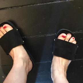 Flot Stine Goya sandal. Stadig i flot stand.