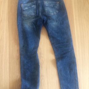 Jeans fra Mos Mosh str 28 i vasket denim.