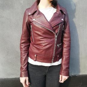 ✔️Helt ny Depeche jakke  ✔️Skindjakke  ✔️Str. 36 ✔️Ny pris 2200