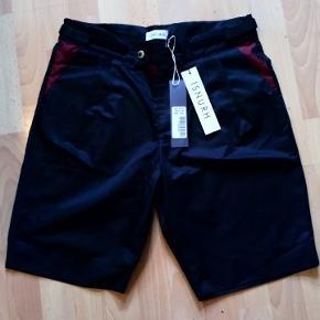 ISNURH shorts