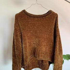 Sweater fra Zara i det lækreste bløde materiale. Størrelse M.   #trendsalesfund
